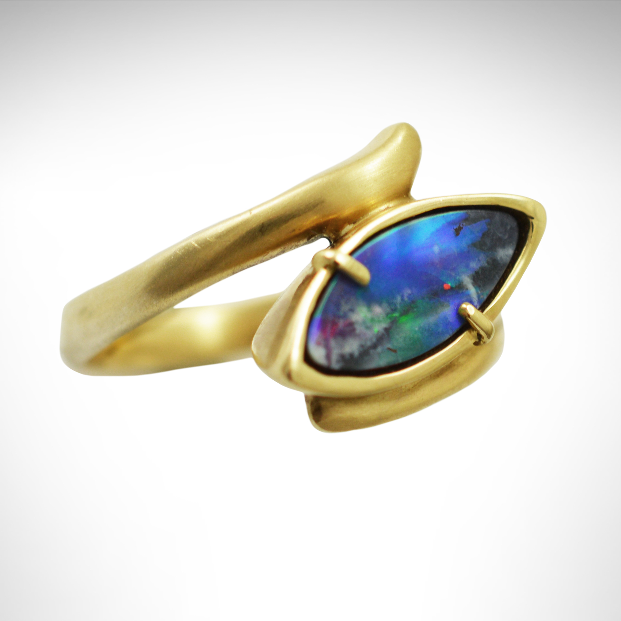 Ring_YellowGold_BoulderOpal