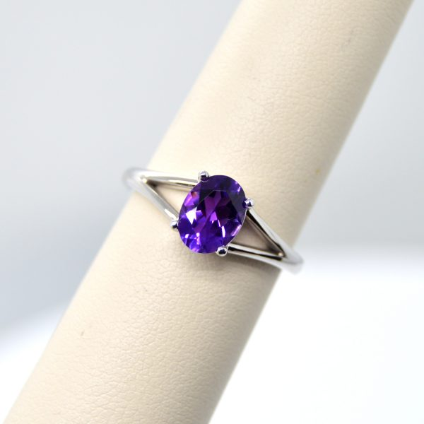 14K white gold ring with split shank and oval amethyst gemstone