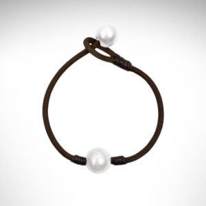 Vincent Peach white double pearl bracelet on leather