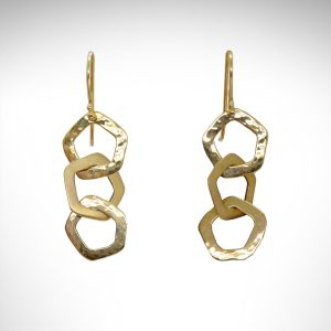 14k yellow gold dangl link earrings with alternating hammered and brushed finishes