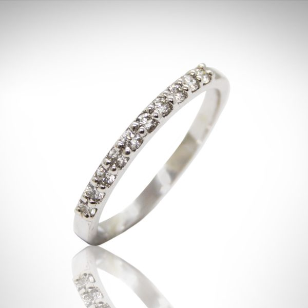 14k white gold diamond wedding band with shared prongs