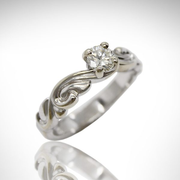 Round Diamond Solitaire Engagement ring in 14Kt White Gold