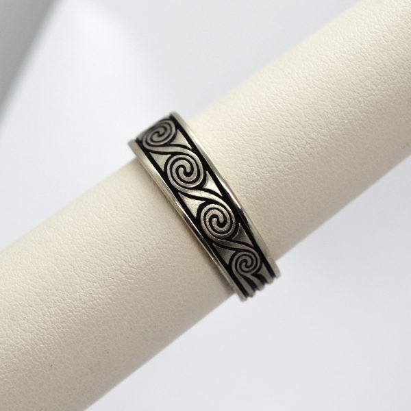 Carved mens wedding band ring in 14K white gold with greek key wave design and black background